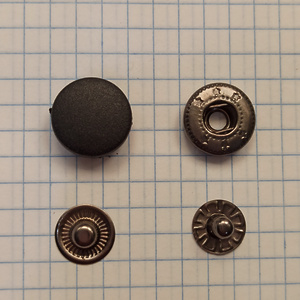 Кнопка пластиковая 15мм черная